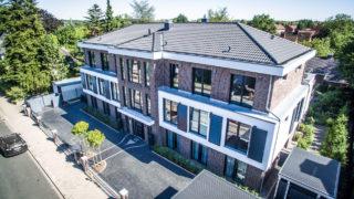 Eingang zum Wohnhaus mit Wohnungen in Lüneburg vermittelt durch Sallier Immobilien